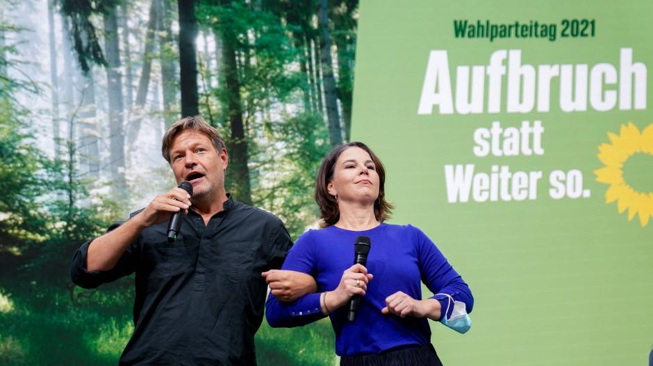 Robert Habeck und Annalena Baerbock beim Bundesparteitag von Bündnis 90/Die Grünen am 19.09.2021 in Berlin.