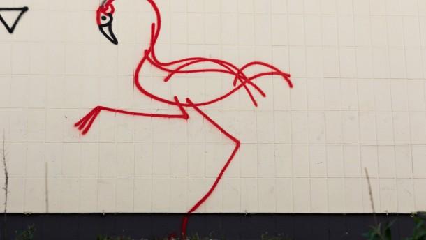 Sprayerlegende Harald Naegeli wegen Flamingos vor Gericht