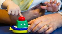 Arbeiten, um den Babysitter zu bezahlen