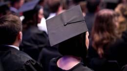 Müssen alle Menschen Akademiker werden?