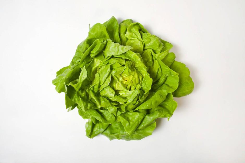 Ohne Soße ist der Salat besonders kalorienarm und dazu noch reich an Flüssigkeit.