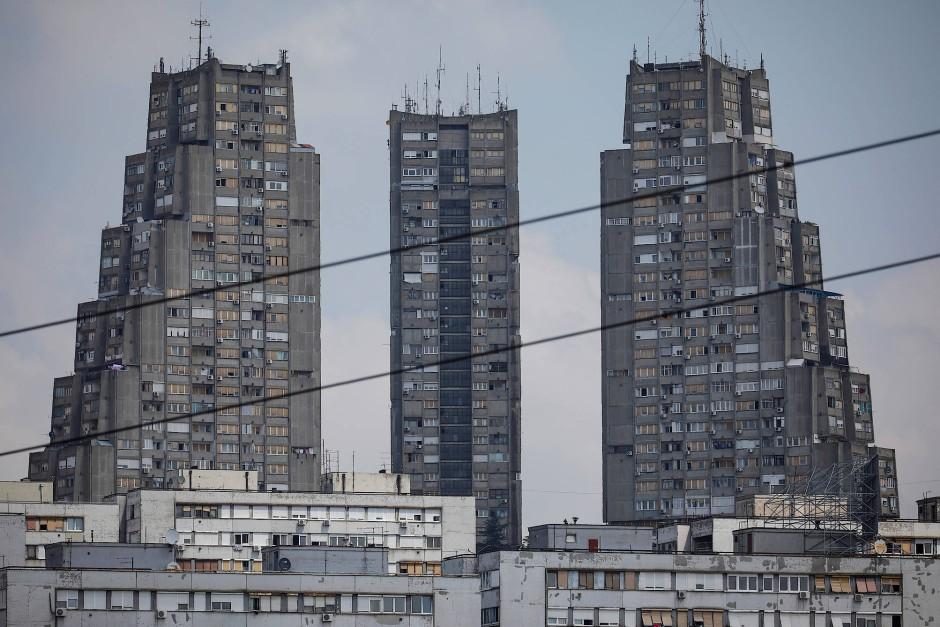 """Der Appartementhauskomplex """"Eastern City Gate"""" steht im Stadtteil Konjarnik in Belgrad."""
