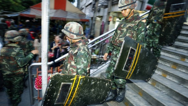 Militär hebt Ausgangssperre in Thailands Badeorten auf