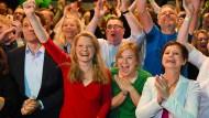 Ausgelassene Stimmung bei den bayerischen Grünen am Tag der Europawahl
