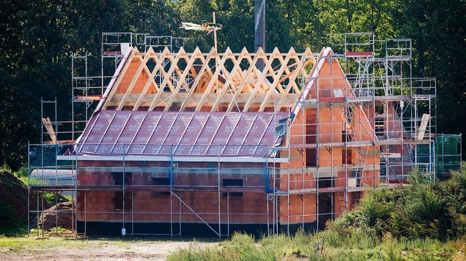 Wann ist der richtige Zeitpunkt, um über den Bau oder Kauf einer Immobilie nachzudenken?