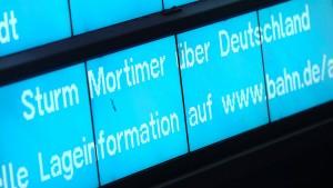 Sturmtief Mortimer sorgt für Ausfälle und Verspätungen