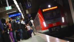 Massive Behinderungen im Bahnverkehr nach Oberleitungsstörung