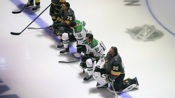 Erstmals knien auch NHL-Spieler bei Nationalhymnen