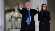 Donald Trump und seine Frau Melanie am Tag vor der Amtseinführung
