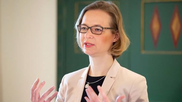Bürgermeisterin will NPD-Stadträten weiterhin nicht die Hand geben