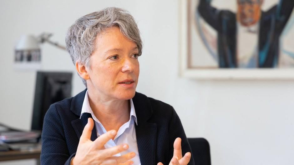 """""""Verkraftbare Einsparungen"""": Frankfurter Kulturdezernentin Ina Hartwig"""