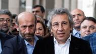 Türkei verhaftet zwei führende Journalisten