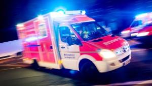 Zwei Schwerverletzte nach Autounfall