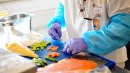 Chef in der Küche: In Hessen werden derzeit mehr als 1000 Köche gesucht.