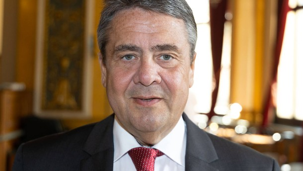 Gabriel fordert von SPD striktere Migrationspolitik