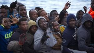 Oppermann: Kontrolle über Migrationsprozese zurückgewinnen