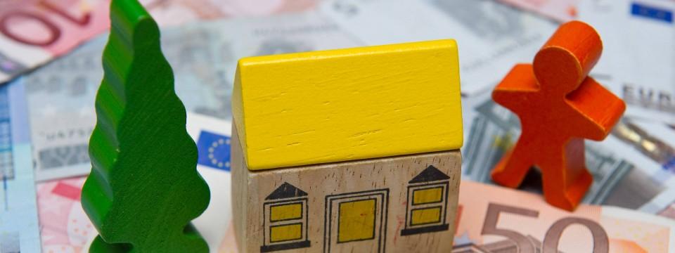 hohe steuern und geb hren belasten immobilienbesitzer. Black Bedroom Furniture Sets. Home Design Ideas