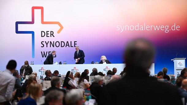 """Zweite Etappe des """"Synodalen Wegs"""" endet im Eklat"""