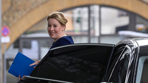 Merkel hielt Giffey-Rücktritt nicht für nötig