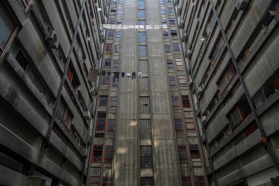 Grau in Grau: der Block 23 des Wohnhauses besteht hauptsächlich aus Beton.