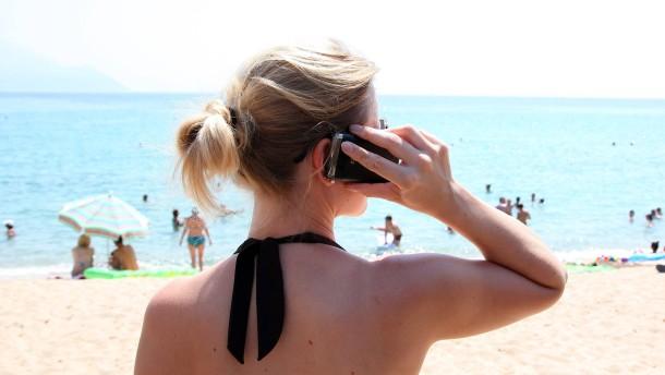 Deutsche telefonieren erstmals mehr über Mobilfunk