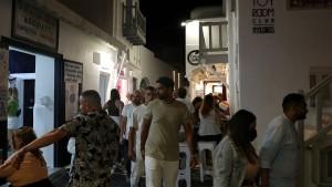 Polizei in Athen geht mit Tränengas gegen Impfgegner vor