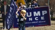 Trump-Anhänger: Was machen seine Fans, wenn er wirklich des Amtes enthoben würde?