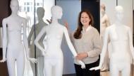 Handwerk von Bildhauern: Posen und Körperformen ergeben sich nicht zufällig. Eine der ersten, die das erkannte, war Jil Sander.