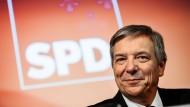 Gert-Uwe Mende stellt sich mit seinem CDU-Konkurrenten Eberhard Seidensticker in drei Wochen der Stichwahl.