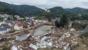 Schäden durch Flut steigen auf sieben Milliarden Euro