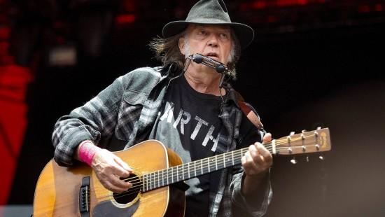 Neil Young verklagt Präsident Donald Trump
