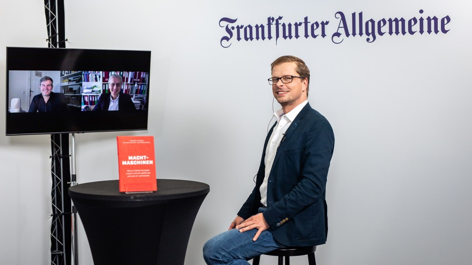 """Viktor Mayer-Schönberger und Thomas Ramge über """"Machtmaschinen"""""""