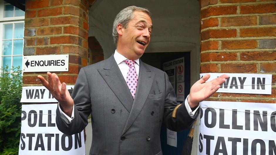 Way out: Farage am Tag des Brexit-Referendums vor einem Wahllokal