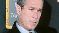 "Film-Kritik: George W. Bush in Michael Moores ""Fahrenheit 9/11"""