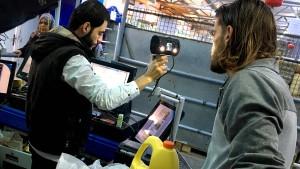 Wo Flüchtlinge mit einem Augenblick bezahlen