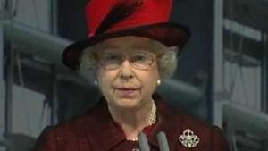 Queen eröffnet neues Terminal am Flughafen Heathrow