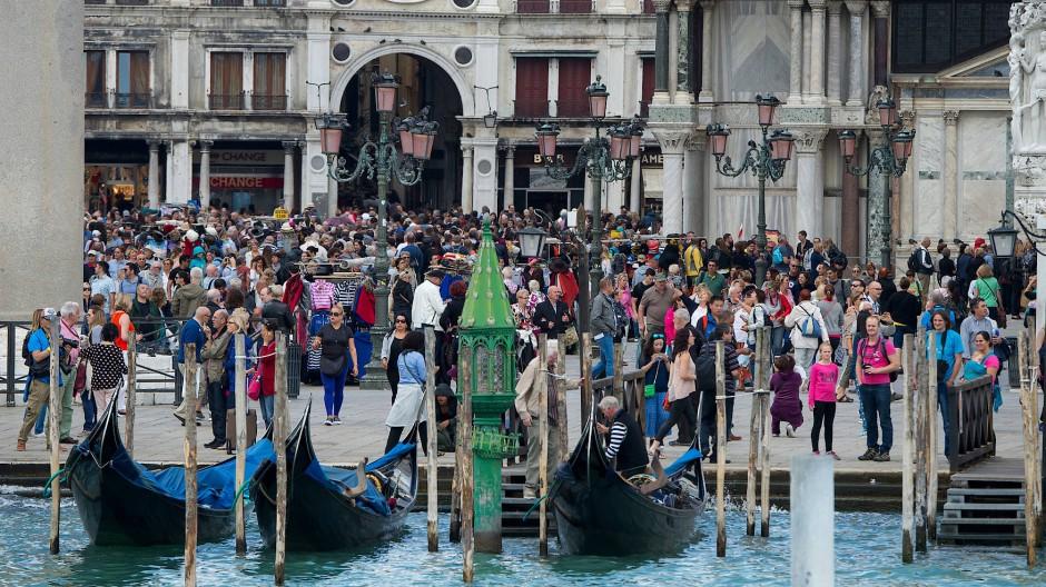 Venedig will mit einer Gebühr gegen den Gästeansturm ankommen.