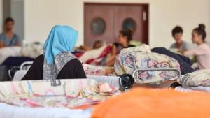 Flüchtlingskoordinator verspricht raschere Abschiebungen