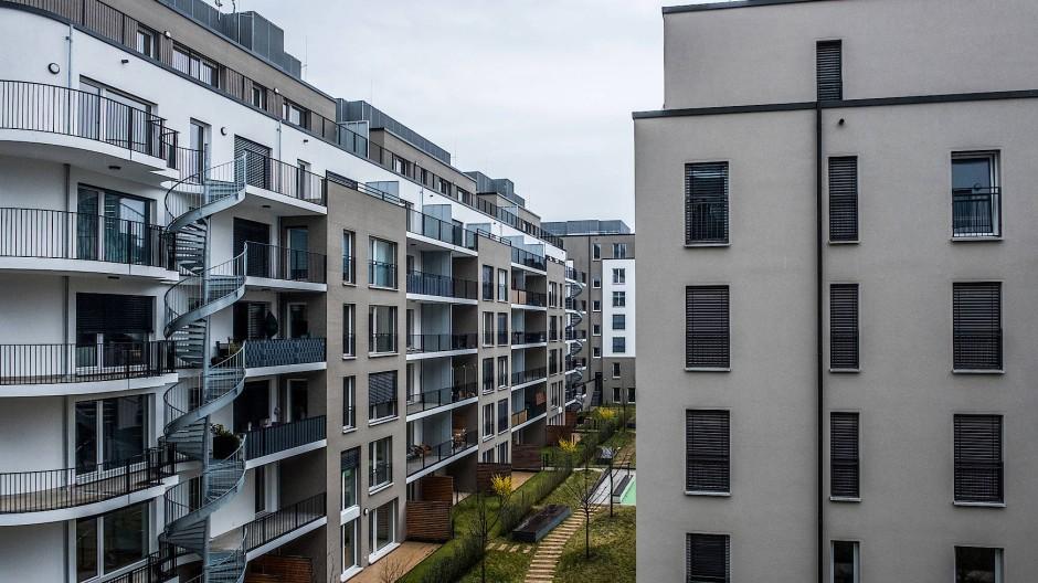 Wohnungen in Frankfurt: Hessen muss keinen Schadensersatz zahlen wegen unwirksamer Mietpreisbremse.