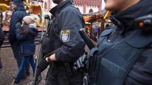 Hessens Innenminister plant besseren Schutz der Weihnachtsmärkte