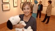 Snoopy im Arm: Jean Schulz hütet das Erbe ihres Mannes.
