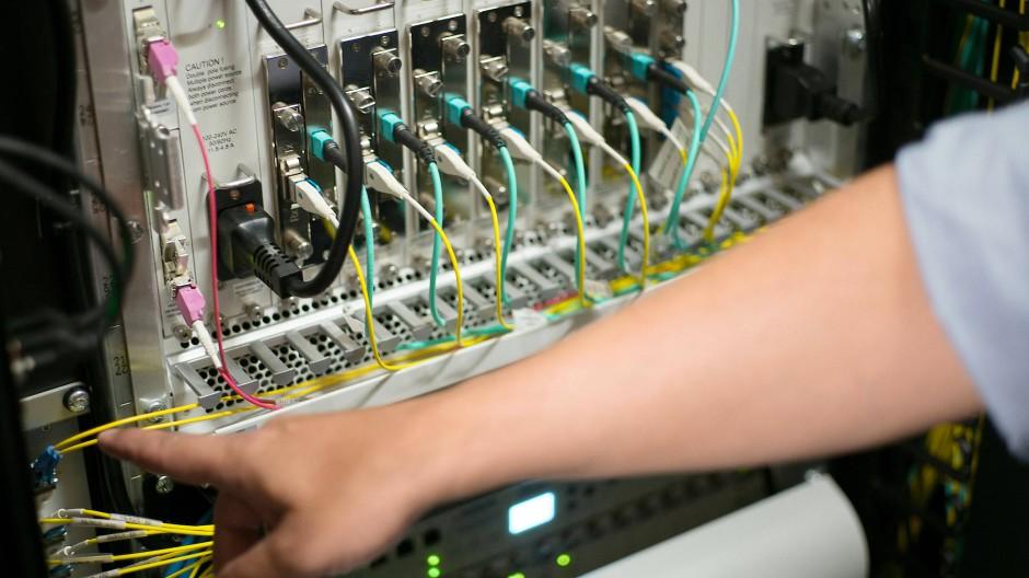 Der Datenverkehr im Rechenzentrum DE-CIX hat durch die Corona-Krise enorm zugelegt.