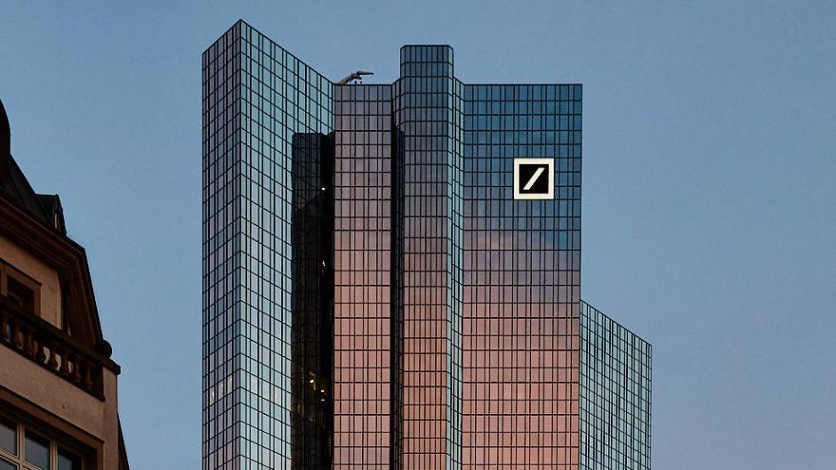 Schließungen: Die Deutsche Bank gibt  in Frankfurt die Filialen in Bockenheim, am Hauptbahnhof, in Höchst und im Westend auf.