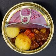 """Gerichte für das Weltall: Saarländische Riesling-Kartoffelcremesuppe, Ragout vom Rehwild, """"Geheirade"""" (Sätze und Kartoffelmus) und Rostiger Ritter (v.l.n.r.)"""