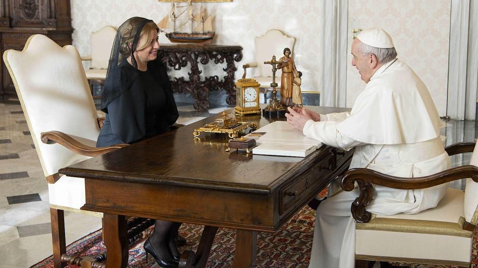 Er hat ihre Einladung angenommen: Die slowakische Präsidentin Zuzana Čaputová im vergangenen Dezember bei Papst Franziskus in Rom