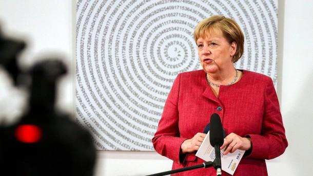 Merkel dankt der Bundeswehr und Usbekistan