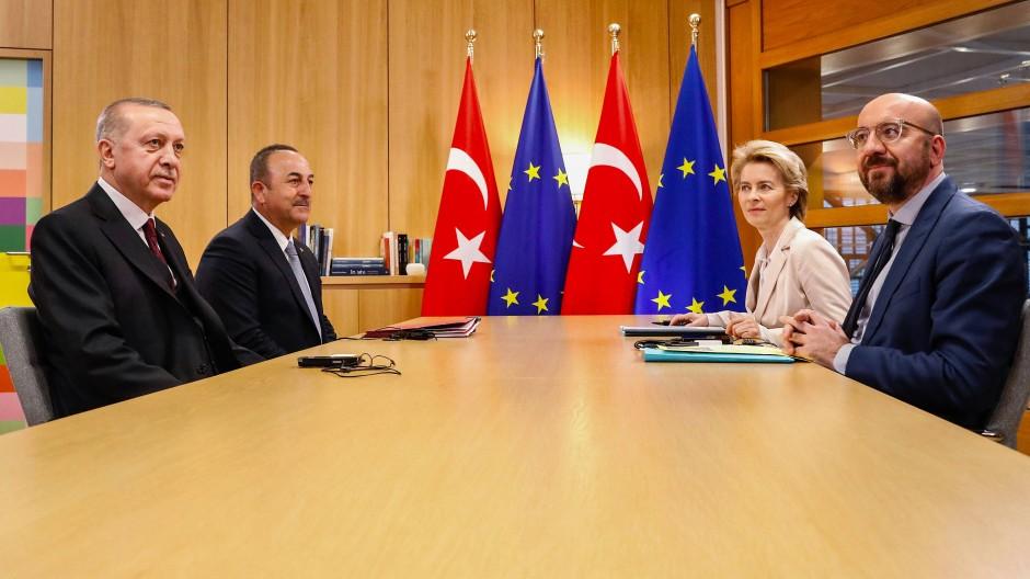 """""""Wir erwarten konkrete Unterstützung von allen unseren Verbündeten"""", sagt der türkische Präsident Erdogan."""