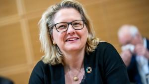 Union teilt gegen Umweltministerin Schulze aus