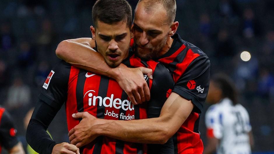 In jedem Pflichtspiel mit Zählbarem zur Stelle: André Silva (links) und Bas Dost
