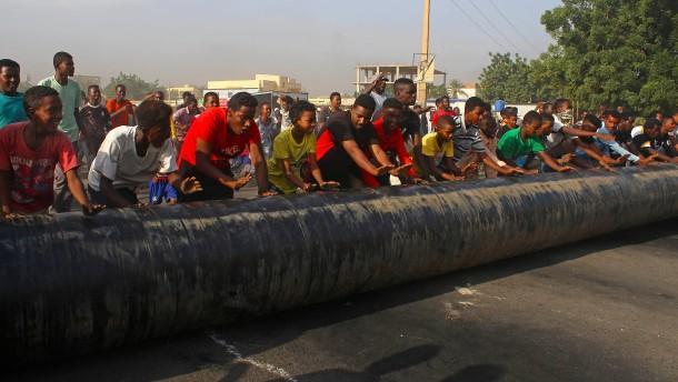 USA stoppen Wirtschaftshilfe für den Sudan